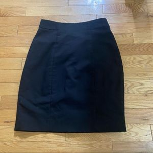 💥5/$25 H&M black pencil skirt in size 2